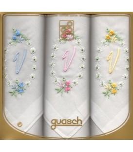 Pack 3 pañuelos inicial bordada para señora Gala.